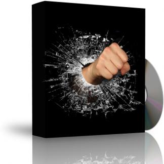 Caja con CD. La carátula de la caja muestra puño rompiendo un cristal de un puñetazo